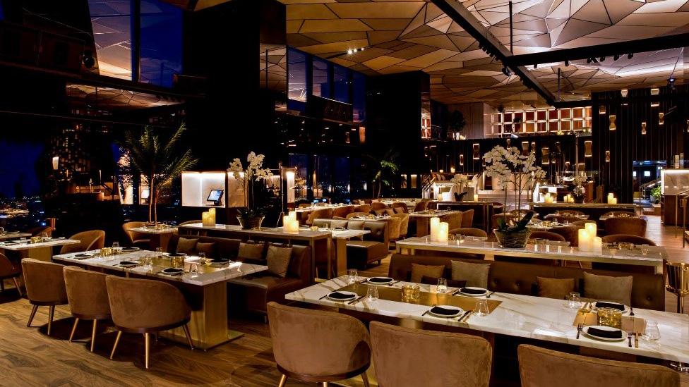 PLAY Restaurant & Lounge